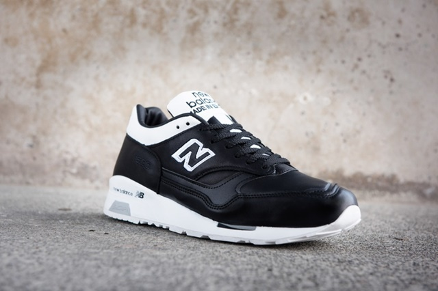 new-balance-football-pack-made-in-uk-7