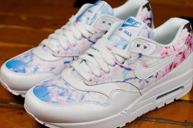 nike-air-max-1-print-cherry-blossom-2