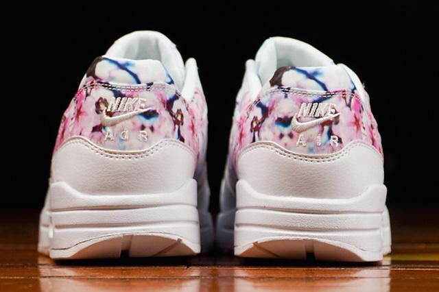 nike-air-max-1-print-cherry-blossom-3