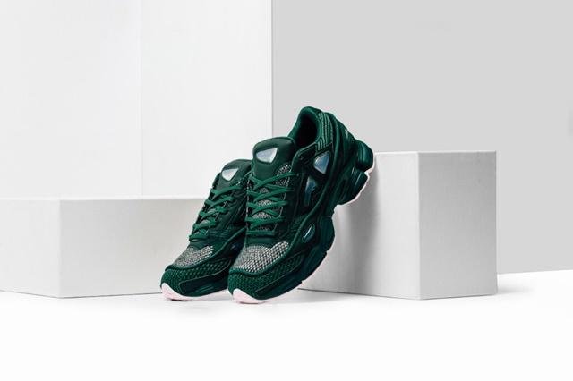 Adidas_Raf_Simons_Ozweego_Feature_Lv-6_1024x1024